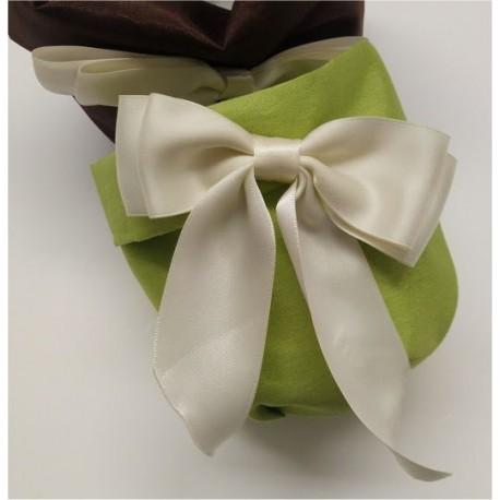 Sacchetto verde in tessuto per confettate
