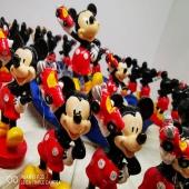 Tutta l'allegria e la gioia di un pomeriggio di festa è raccontata da questa selezione di prodotti in resina e metallo,  per continuare a divertirsi a casa anche quando la festa è finita.  Scopri le nostre proposte sul nostro Shop on line e continua a seguirci per vedere tutta la linea che compone Mickey Mouse  https://www.astrobomboniere.it/walt-disney/1935-torta-mickey-con-macchinina.html  Per informazioni ☎️ 0392001976 📲 3713894087 💻 www.astrobomboniere.it Info@astrobomboniere.it